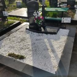 Облагораживание могилы перед Пасхой. Южное кладбище. После
