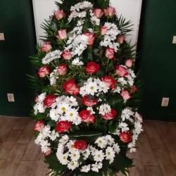 Ритуальный венок из живых цветов_27