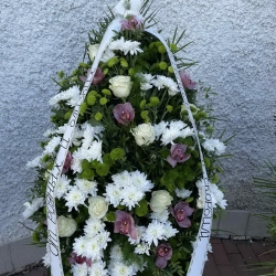 Ритуальный венок из живых цветов_30