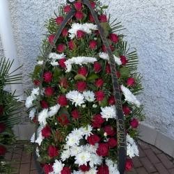 Ритуальный венок из живых цветов_32