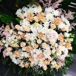 Ритуальный венок из живых цветов_36