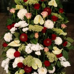 Ритуальный венок из живых цветов_39