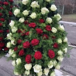 Ритуальный венок из живых цветов_13